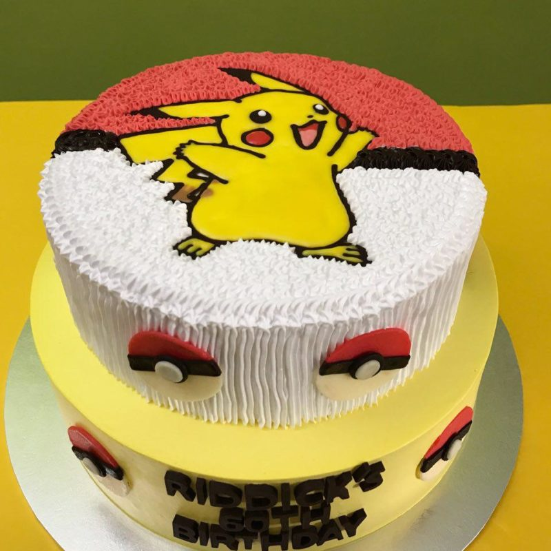 2-tier Pikachu with Pokeballs