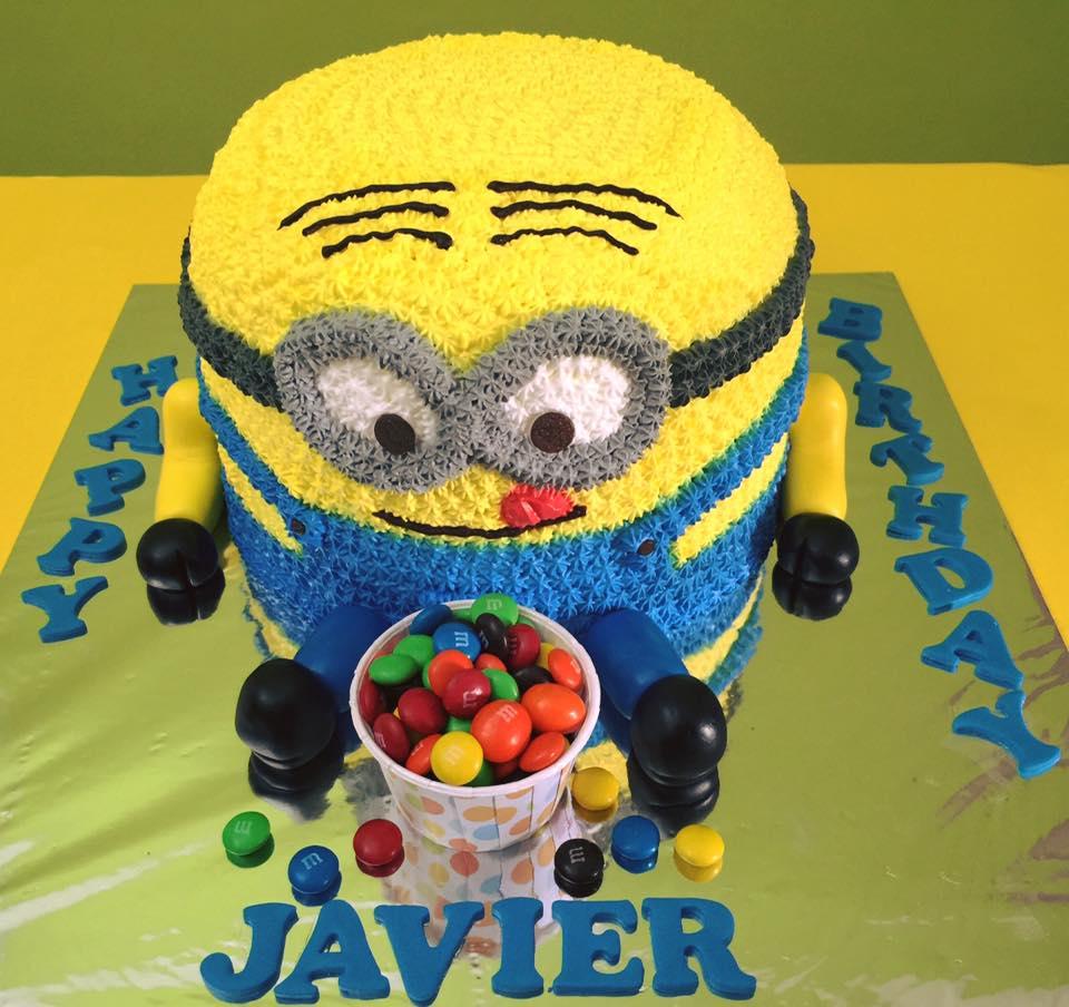 Minion Cake with M&M 3D