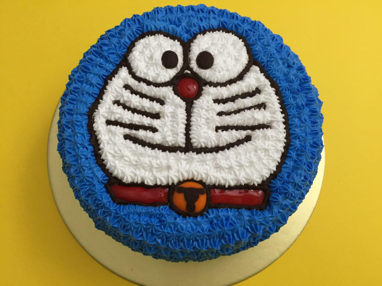 Doraemon Smiling Cake