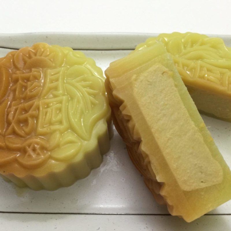 Jelly Mooncake with Durian Fillings