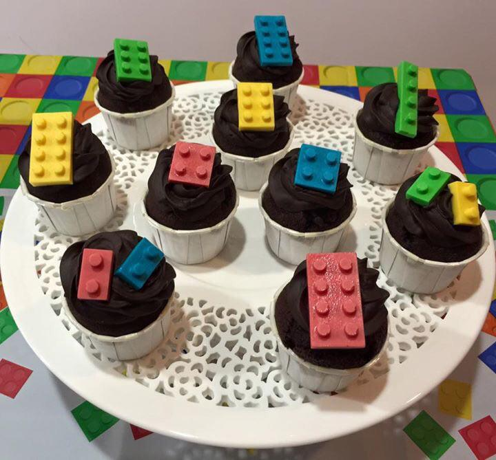 Lego Chocolate mini cupcakes